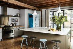 Industrial Accents - Kitchen Islands You Need To See - Photos