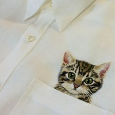 Let's get Friday off to a cute start with this #handembroidery #kitten from…
