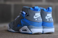 "Nike Air Tech Challenge Huarache ""Cool Grey & Uni Blue"""