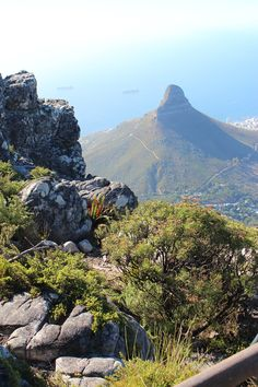 Table Mountain | Tafelberg | Kapstadt | Cape Town | Mountain | Felsen | Must see Cape Town | clouds | Travelblogger | traveling | South Africa | Südafrika | Lions Head | Nature | Natur