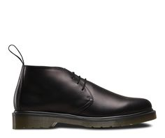 If we were asked to describe Ray in three words, they would be: crisp, simple and stylish. This season the low ankle chukka boot retains the Dr Martens signature air cushioned sole but switches it up with a plain welt and mono-tone self-scripted heel tag for a pared-back look that still carries its weight in cool.