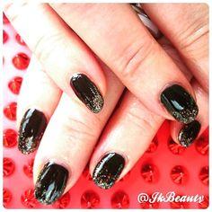 Cnd color -black pool Cnd additivies - Dream lily, Emerald Mirage and Hummingbird Brillo.  #Melbourne #mobilebeauty #shellac #cnd #jkbeauty #manicure #nails #drymanicure #happymonday