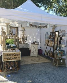 Wooden jewelry organizer, stand, display / You are beautiful / minimalist, modern / for earrings / eco friendly - Custom Jewelry Ideas Craft Stall Display, Craft Show Booths, Craft Booth Displays, Display Ideas, Vendor Displays, Market Displays, Vendor Table, Vendor Booth, Stand Feria