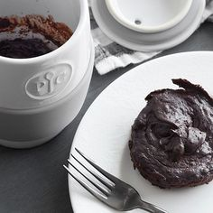 Chocolate Mug Cake - The Pampered Chef® This decadent treat is ready in about two minutes! And it is flourless, gluten-free, and chocolate! Pampered Chef Egg Cooker, Pampered Chef Recipes, Chocolate Morsels, Chocolate Mug Cakes, Chocolate Chocolate, Top Dessert Recipe, Dessert Recipes, Ceramic Egg Cooker, Mug Recipes