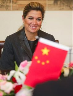 Queen Máxima of The Netherlands made a visit to the students of Peking University, a prestigious National School of development.