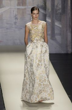 Oscar de la Renta at New York Fashion Week Spring 2003 - Runway Photos
