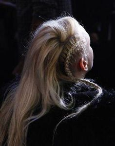 Street-chic braids at the DKNY show (Photo by Erin Yamagata) I really need to get better at doing stuff to my hair. I love how this looks! Dreads, Pretty Hairstyles, Braided Hairstyles, Viking Hairstyles, Hair Day, Your Hair, Runway Hair, Gorgeous Hair, Hair Goals