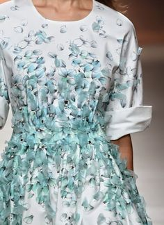 patternprints journal: PRINTS, PATTERNS AND SURFACE EFFECTS: BEAUTIFUL DETAILS FROM MILAN FASHION WEEK (WOMAN COLLECTIONS SPRING/SUMMER 2015) / Blumarine