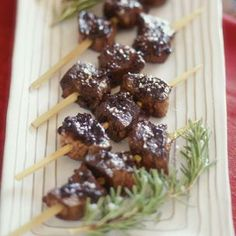 Try the Filet Mignon Skewers with Balsamic Reduction Recipe on filetmignonsteak Beef Appetizers, Appetizer Recipes, Wedding Appetizers, Appetizer Ideas, Tapas, Williams Sonoma, Balsamic Reduction Recipe, Beef Recipes, Cooking Recipes
