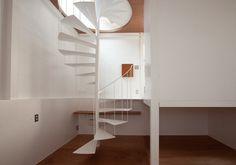moderne Wendeltreppe-kleines Haus