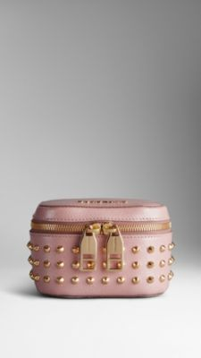 Studded Patent London Leather Cosmetics Case from Burberry. My first make-up bag was Burbs' and the quality is amaze! Burberry, Gucci Handbags, Purses And Handbags, Leather Wallet, Leather Bag, Studded Leather, Studs And Spikes, Cosmetic Pouch, Small Leather Goods