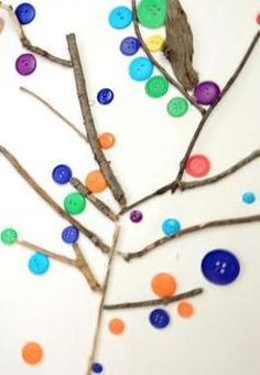 LOVE BUTTONS!!!   Kids craft idea to make a tree with buttons