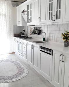 Home Decor – Decor Ideas – decor Diy Interior, Kitchen Interior, Home Interior Design, Kitchen Cabinet Design, Modern Kitchen Design, Kitchen Cabinets, Small Apartment Kitchen, Diy Kitchen Decor, Kitchen Models