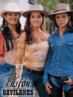 PAOLA REY (@PAOLAREYACTRIZ) | Twitter Latino Actors, Actors & Actresses, Sport Tv, Estilo Cowgirl, Freestyle Rap, 90s Outfit, Cool Costumes, Western Wear, Latina