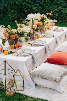 A sunny. A sunny day calls for a festive soirée. See how 100 Layer Cake pulled together this beautiful summer party. Summer Parties, Summer Fun, Outdoor Entertaining, Outdoor Dinner Parties, Table Linens, Linen Tablecloth, Crate And Barrel, Wedding Table, Wedding Reception