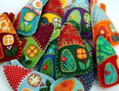 Felt+Christmas+decorations+Colourful+house+by+PuffinPatchwork,+$22.50