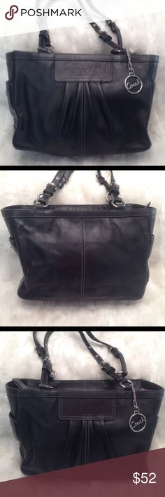 EUC Authentic COACH LEATHER Shoulder Bag COACH#C0917-14788. In great shape. Liner needs a little bit of cleaning. No scuffs on the corners. Measures 10x11 Coach Bags Shoulder Bags