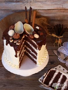 Come fare una drip cake Drip Cakes, Fab Cakes, Chiffon Cake, Chocolate Cake, Tiramisu, Ethnic Recipes, Cake Recipes, Desserts, Bakery