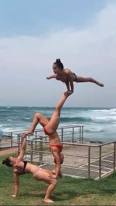 Gymnastics Tricks, Gymnastics Skills, Gymnastics Poses, Amazing Gymnastics, Acrobatic Gymnastics, Gymnastics Workout, Gym Workout Tips, Workout Videos, Dance Photography