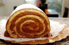 Argentinian dulce de leche cake roll
