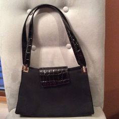 Final Markdown Nine West EXCELLENT COND Nine West nylon and patent leather handbag.  2 inside zippers Nine West Bags Shoulder Bags