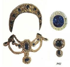 Empress Maria Feodorovna's Sapphire Parure.  The sapphire parure consisted of a tiara in traditional kokoshnik style, a necklace, a devant de corsage, and at least two brooches. The tiara was made of one large and eight smaller sapphire surrounded by diamonds, set in a gold frame. The top was adorned with diamonds which were detachable and could be worn as a diamond riviere. The tiara was also decorated with some of Catherine the Great's diamond dress ornaments.