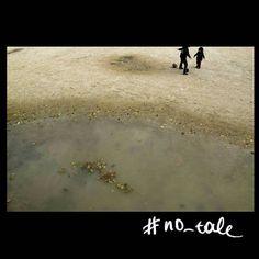 No tale #skantzman #no_tale #paris #france #placedelaconcorde #kodakchrome #digital #28mm #fuji #x100t #kids #children #ball #manolisskantzakis #photography