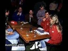Ayrton Senna e Adriane Galisteu em confraternização com família McLaren.