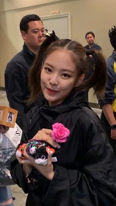 Kim Jennie, K Wallpaper, Blackpink Memes, Princess Aesthetic, Black Pink Kpop, Blackpink Photos, Blackpink Fashion, Best Friend Pictures, Queen
