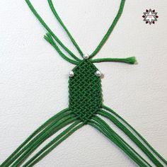 DSCF4468 Macrame Necklace, Macrame Jewelry, Macrame Bracelets, Diy Friendship Bracelets Patterns, Paper Crafts, Diy Crafts, Diy Tutorial, Projects To Try, Weaving