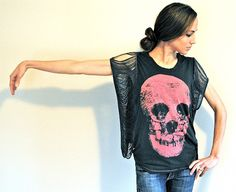 Trash To Couture: DIY. Fringe Sleeve/Seam Tee. Great for making those tight tees wearable