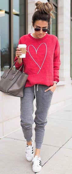 casual style inspiration sweatshirt + bag + pants #casuallook