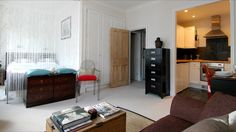 Studio flat, notting hill (image only)
