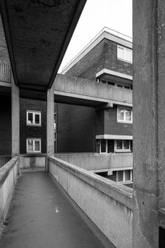 Brunel Estate Westbourne Park, London, City of Westminster Architects Department, Photo: Simon Phipps British Architecture, London City, Westminster, Stairs, Park, Home Decor, Twitter, Stairway, Decoration Home