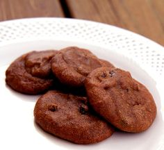 Soft, chewy, and only 86 calories per serving, this recipe is vegan and also grain-free.  Serving size: 1 cookie Calories: 86 Total fat: 6.1 g Saturated fat: .9 g Cholesterol: 0 mg Sodium: 44 mg Carbs: 6.4 g Fiber: 1.6 g Sugars: 4.2