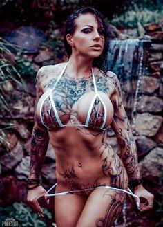 Belles Femmes Tatouees