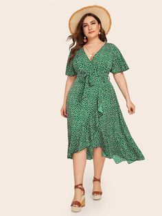 To find out about the Plus Ditsy Floral Ruffle Trim Wrap Belted Dress at SHEIN, part of our latest Plus Size Dresses ready to shop online today! Affordable Plus Size Clothing, Plus Size Clothing Stores, Fashionable Plus Size Clothing, Plus Size Fashion For Women, Plus Clothing, Plus Size Summer Dresses, Plus Size Outfits, Boho Dress Plus Size, Floral Plus Size Dresses