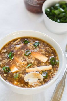 Is there any other better meal to come home on this chilly evening than a bowl of this hot & sour soup? Buy tastier, smoother, thicker and yummy hot & sour soup mix at Angel Starch & Food Pvt Ltd. Easy Soups To Make, Quick And Easy Soup, Sweet And Sour Soup, Hot And Sour Chicken Soup Recipe, Hot And Sour Broth, Hot N Sour Soup, Spicy Soup, Miso Soup, Sweet Chili