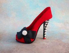 Stiletto shoe cake topper - by Iris Rezoagli @ CakesDecor.com - cake decorating website