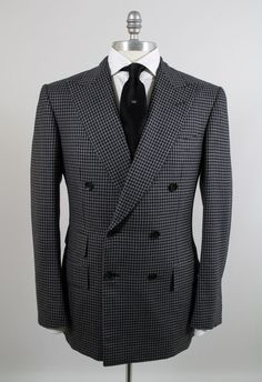 NWT Tom Ford Wool/Silk 36US/46EU Men's Double Breasted Gray/Black Check Suit #TomFord #DoubleBreastedDoubleVentsPeakLapelBaseA