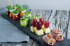 Du bist auf der Suche nach schellen und einfachen Partysnacks mit denen du deine Gäste beeindrucken kannst. Hier eine Idee. Tapas, Snacks Für Party, Appetizers, Cooking, Recipes, Cool Beer, Finger Food, Meal, Searching