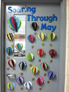 Very cool. This could even be a fun idea to make one or two for a high school/middle school classroom. With vocab or something...not sure. :D