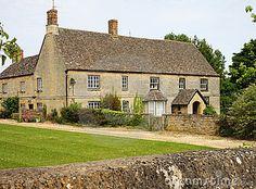 traditional english rural farmhouse
