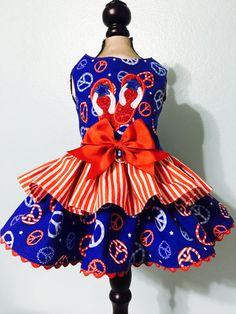 Dog Harness Dress-Patriotic Peace por Theembroideryroom en Etsy