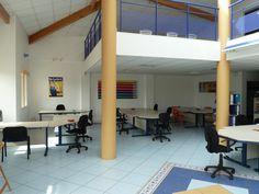 Bienvenue sur l'Espace Aqui Work Center:    l'espace Coworking Merignac 2012  Coworking: A window into the future of work  Le Site est en ligne, ainsi que les tarifs....  http://www.coworking-merignac.com/    Pour Venir Visiter Nos Locaux  Suivez ce Lien  http://www.coworking-merignac.com/visites-de-lespace.html