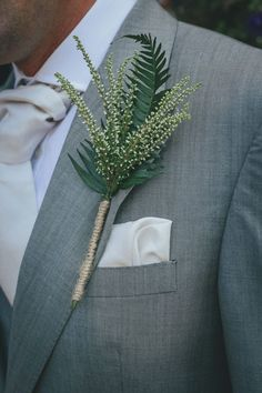 Sustainable wedding tips: Alternatives to floral bouquets Fern Wedding, Fall Wedding Flowers, Floral Wedding, Summer Wedding, 1920s Wedding, October Wedding, Forest Wedding, Woodland Wedding, Wedding Updo