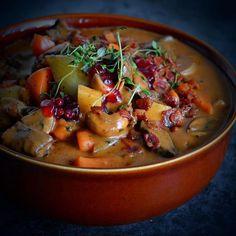 Oppskrift på superdigg høstgryte med hjort ligger på bloggen 🍁🦌🍁 Link finner du i profilen 🔝 #idamariesmat #nrkmat #godtno #matbloggsentralen #høst #hjortegryte #høstgryte #autumn #feedfeed #matblogg #gmn #norway #herbs #deer #foodporn #foodie #foodlove #mat #food #dinner #autumnfood #f52grams #thefeedfeed #foodphoto #foodphotography #food52 #foodblogfeed #matprat #norway