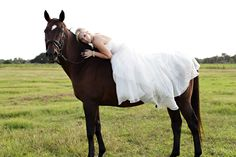 Want to do a trash the dress with a horse... so pretty