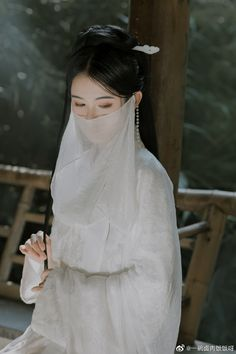 China Girl, Traditional Clothes, Chinese Clothing, Hanfu, White Outfits, Femininity, Veil, The Past, Cosplay