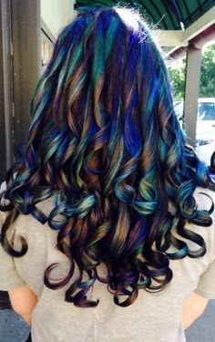 10 Best Examples Of the Oilslick Hair Color Trend Glam it up- spiral curls let the colors from oilsl Oil Slick Hair Color, Cool Hair Color, Peacock Hair Color, Hair Colour, Slick Hairstyles, Pretty Hairstyles, Mohawk Hairstyles, American Hairstyles, Updo Hairstyle